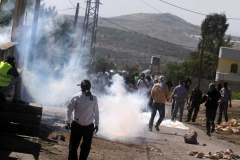إصابة أكثر من 200 فلسطيني في مواجهات مع قوات الاحتلال في الضفة الغربية