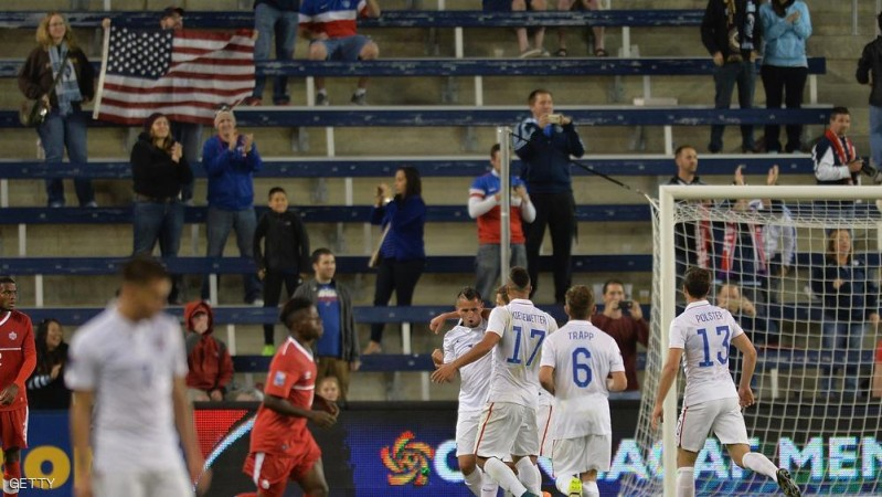 Luis Gil (3L) of the United States celebrates scoring a goal during the Under-23 CONCACAF Olympic Qualifying match between United States and Canada at Sporting Park in Kansas City, Kansas on October 1, 2015. AFP PHOTO/ MICHAEL B. THOMAS        (Photo credit should read Michael B. Thomas/AFP/Getty Images)