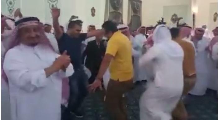 مصريون - يشعلون - حفل - زفاف