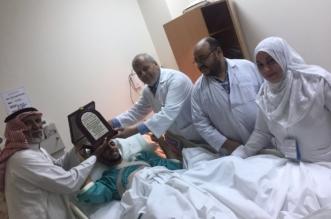 أنقذ ابنه بعملية معقدة.. مواطن يشكر مستشفى الملك عبدالله ببيشة وطاقمه الطبي - المواطن