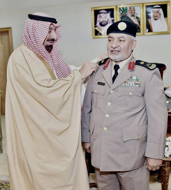 أمير نجران يُقلِّد اللواء أبو ذيبة رتبته الجديدة