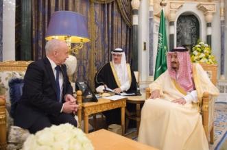 الملك يستعرض آفاق التعاون المشترك مع وزير مالية سويسرا - المواطن