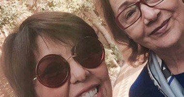 """أول صورة سيلفي لـ"""" سوزان مبارك"""" مع الصحفية الكويتية فجر السعيد"""