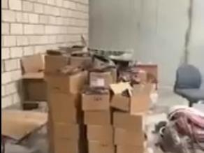 بالفيديو.. ضبط سلع مغشوشة داخل مستودع متجر إلكتروني شهير - المواطن