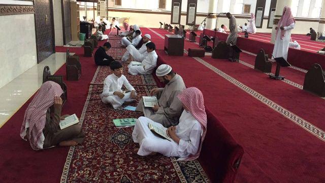 130طالبا يشاركون في يوم الهمة بمجمع القراء بالرياض (4)