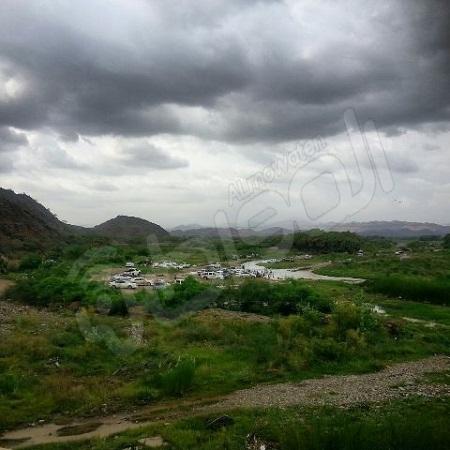 شاهد بالصور.. متعة التنزه في وادي بيش بجازان