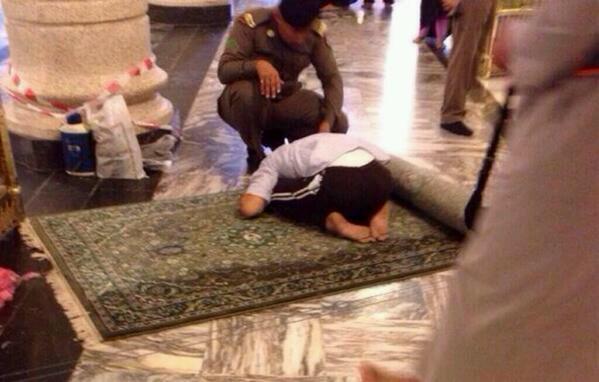 طفل ساجد