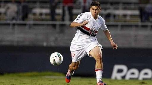اللاعب البرازيلي برونو سيزار
