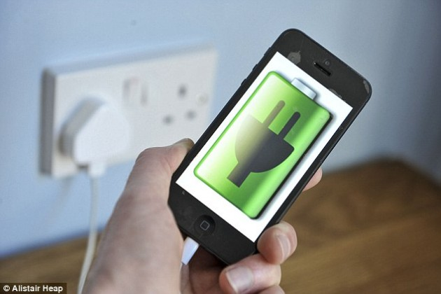 1413221348945_wps_2_Phone_charger_exploded_Ka