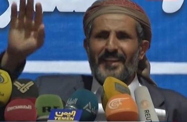 الحوثيون يلوحون بمجلس محلي لحكم البلاد
