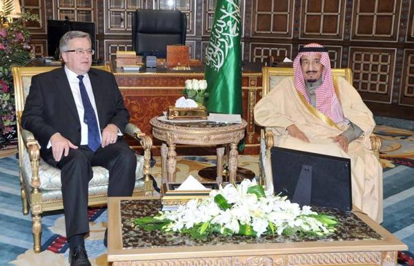 سمو ولي العهد سلمان بن عبدالعزيز يعقد جلسة مباحثات مع فخامة الرئيس البولندي