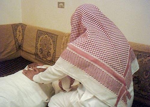 غضب من راق يغرر بالنساء لإقامة علاقات مُحرمة.. حلول ومطالب - المواطن