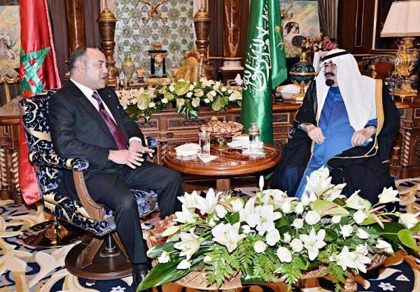 الملك عبدالله بن عبدالعزيز آل سعود- حفظه الله- في مقر إقامته بالدار البيضاء اليوم أخاه جلالة الملك محمد السادس ملك المملكة المغربية