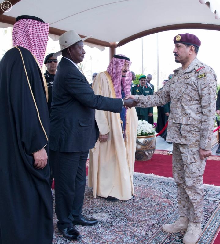 18خادم الحرمين الشريفين يستقبل الرئيس الأوغندي