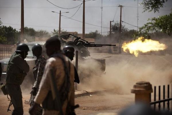 مالي في حرب مع انفصاليي الطوارق المسلحين