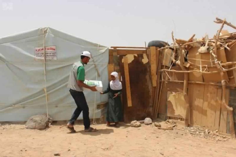 بالصور.. المملكة تدعم مخيم حجة وحارة التخطيط في مأرب - المواطن