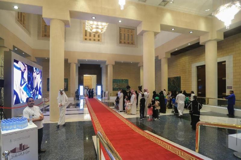 20-ألف-زائر-في-ختام-جولة-في-قصر-الحكم-3