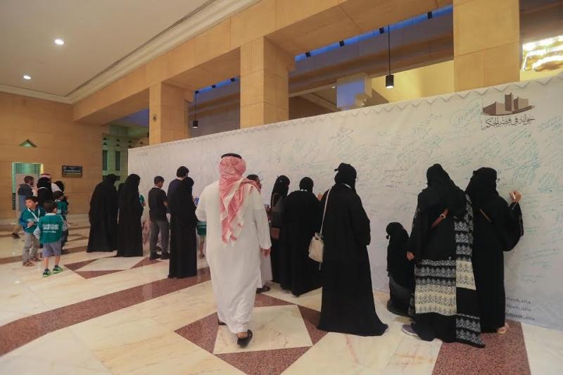 20-ألف-زائر-في-ختام-جولة-في-قصر-الحكم-4-5