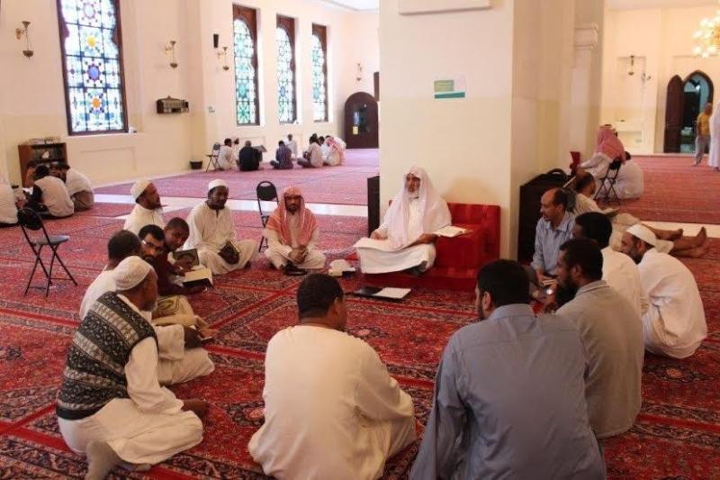 2000 وجبة إفطار يومياً ودورات متخصصة بلغات عدة في الرياض (284543517) 