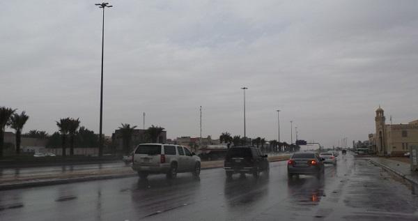 أمطار مصحوبة بعواصف رعدية على جازان
