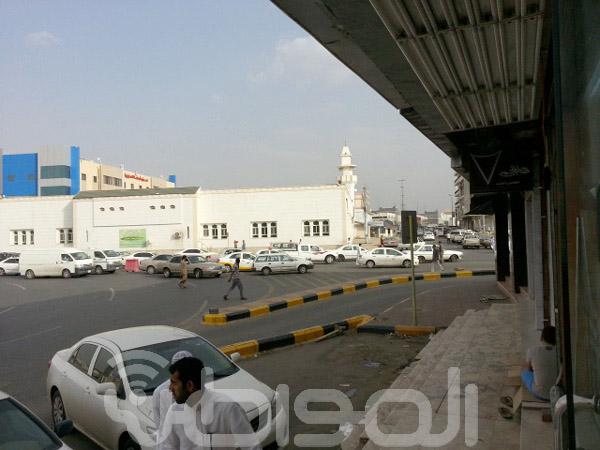 مرور خميس مشيط يربك حركة السير أمام جامع الحواشي صحيفة المواطن الإلكترونية