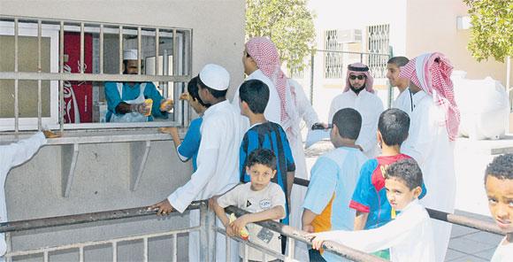 العيسى يعمم بتطبيق الاشتراطات الصحية على المقاصف المدرسية - المواطن