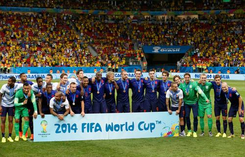 هولندا أول منتخب يدفع بلاعبيه الـ23 في المونديال - المواطن