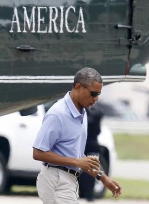 U.S. President Barack Obama arrives at Ft. Belvoir in Virginia after spending a weekend in Camp David