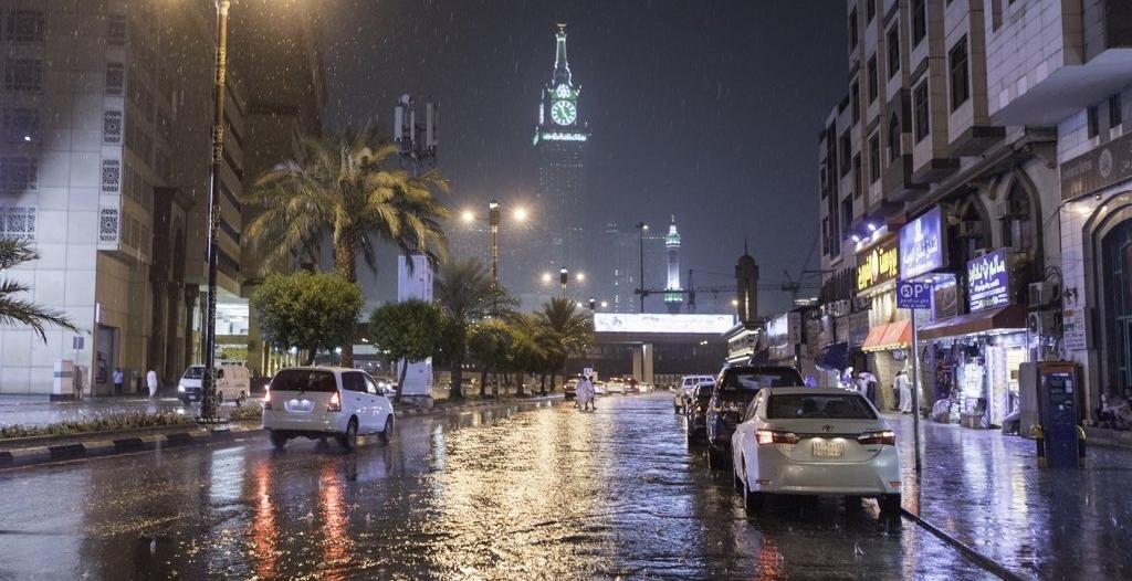 مدني مكة المكرمة يعيد تمركز وانتشار فرق الإنقاذ بسبب الأمطار