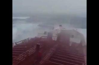 بالفيديو.. هكذا أثّر إعصار ميكونو على بحر العرب - المواطن
