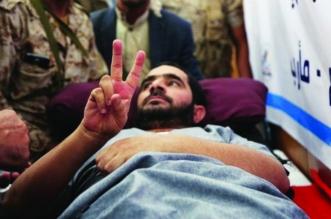 خرج مشلولًا.. فيديو مسرب يكشف تعذيب جمال المعمري في سجون الحوثي - المواطن