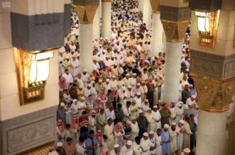 جموع المصلين يؤدون أول جمعة في رمضان بالمسجد النبوي1