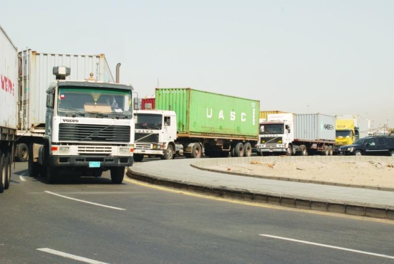 اصطدام 4 شاحنات في عشيرة الطائف