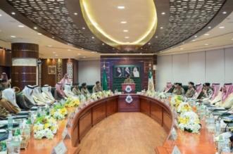 بحضور الفيصل.. وزير الداخلية يرأس اجتماع اللجنة العليا للعمرة - المواطن