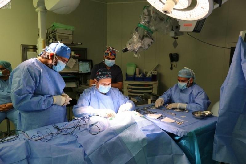 نجاح أول عملية زراعة قوقعة أُذن إلكترونية بمدينة الملك عبدالله الطبية