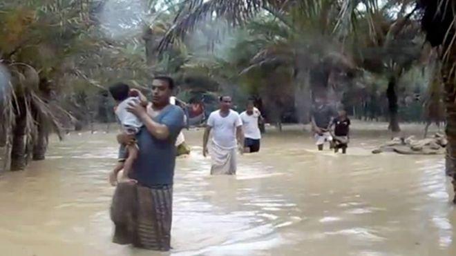 عمان تتكاتف كلها لمواجهة إعصار مكونو والأمل في رحمة الله