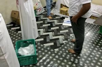 بالصور.. مصادرة 125 كجم من الأطعمة الفاسدة في محايل عسير - المواطن