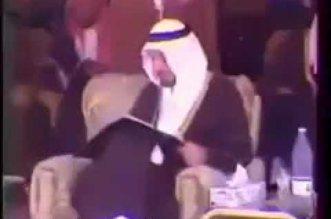 فيديو نادر لافتتاح الملك خالد لأول طريق سريع بالمملكة - المواطن