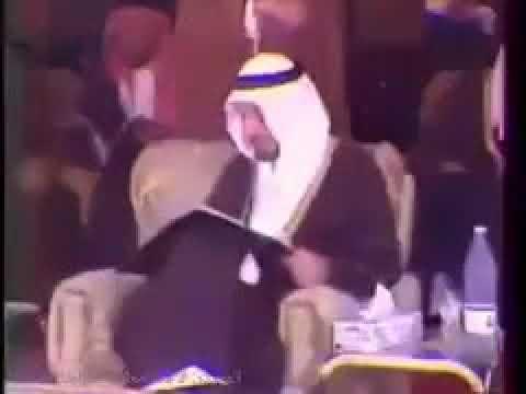 فيديو نادر لافتتاح الملك خالد لأول طريق سريع بالمملكة