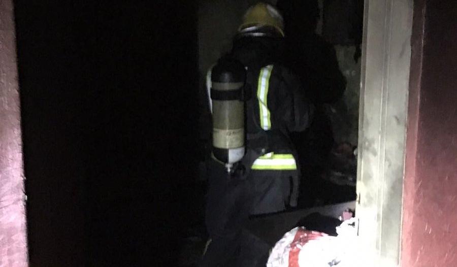 التماس في تكييف يحرق منزلًا في بارق