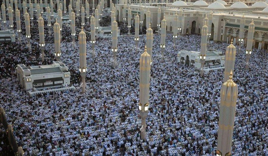 خدمات أمنية وإنسانية تقدمها قوة أمن المسجد النبوي لسلامة ضيوف الرحمن