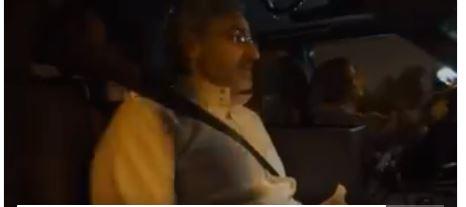 شاهد.. الوليد بن طلال في جولة بمركبة تقودها ابنته: أحد إنجازات الملك سلمان وأخي ولي العهد
