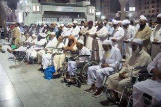تخصيص مواقع للصلاة لكبار السن في المسجد النبوي - المواطن