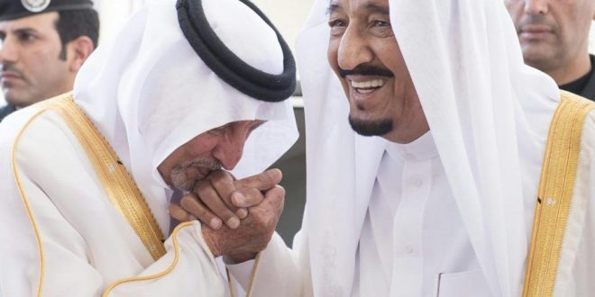 خالد الفيصل في قصيدة عن الملك سلمان: لا باس يا صقر الرجاجيل لا باس