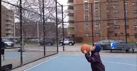 شاهد.. تعلم درسًا مهمًّا في الحياة بواسطة كرة السلة - المواطن