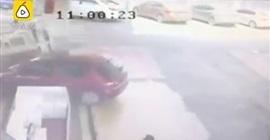 شاهد.. سائق يتسبب في انفجار داخل محطة وقود - المواطن
