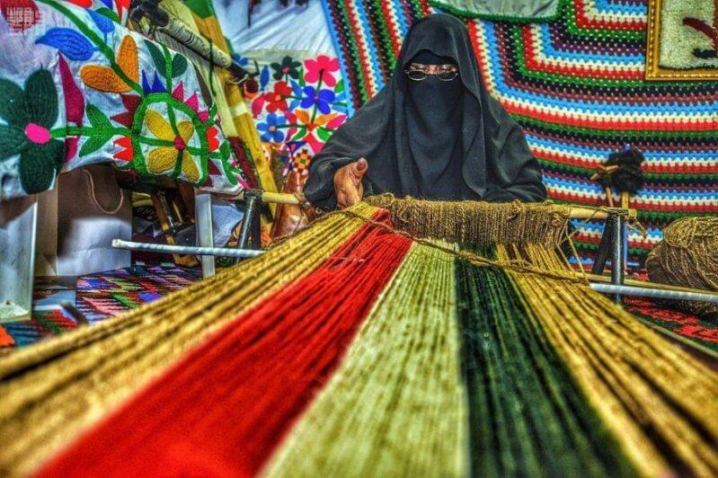 سوق عكاظ 12 .. 70 حرفيًّا وحرفية من مناطق المملكة في 116 خيمة