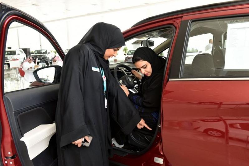 سيدات أعمال: قيادة المرأة تدعم الاقتصاد السعودي وتمكن النساء
