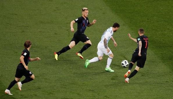 كرواتيا تتقدم على الأرجنتين بثنائية