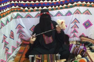قصة نجاح.. الحرفية مرزوقة تنقل حرفة السدو لبناتها وحفيداتها - المواطن